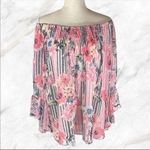 NWT Melissa Paige Blouse size Medium spring top